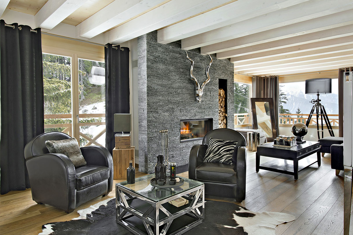 Un chalet contemporain dans les sommets alpins maison for Salon style contemporain