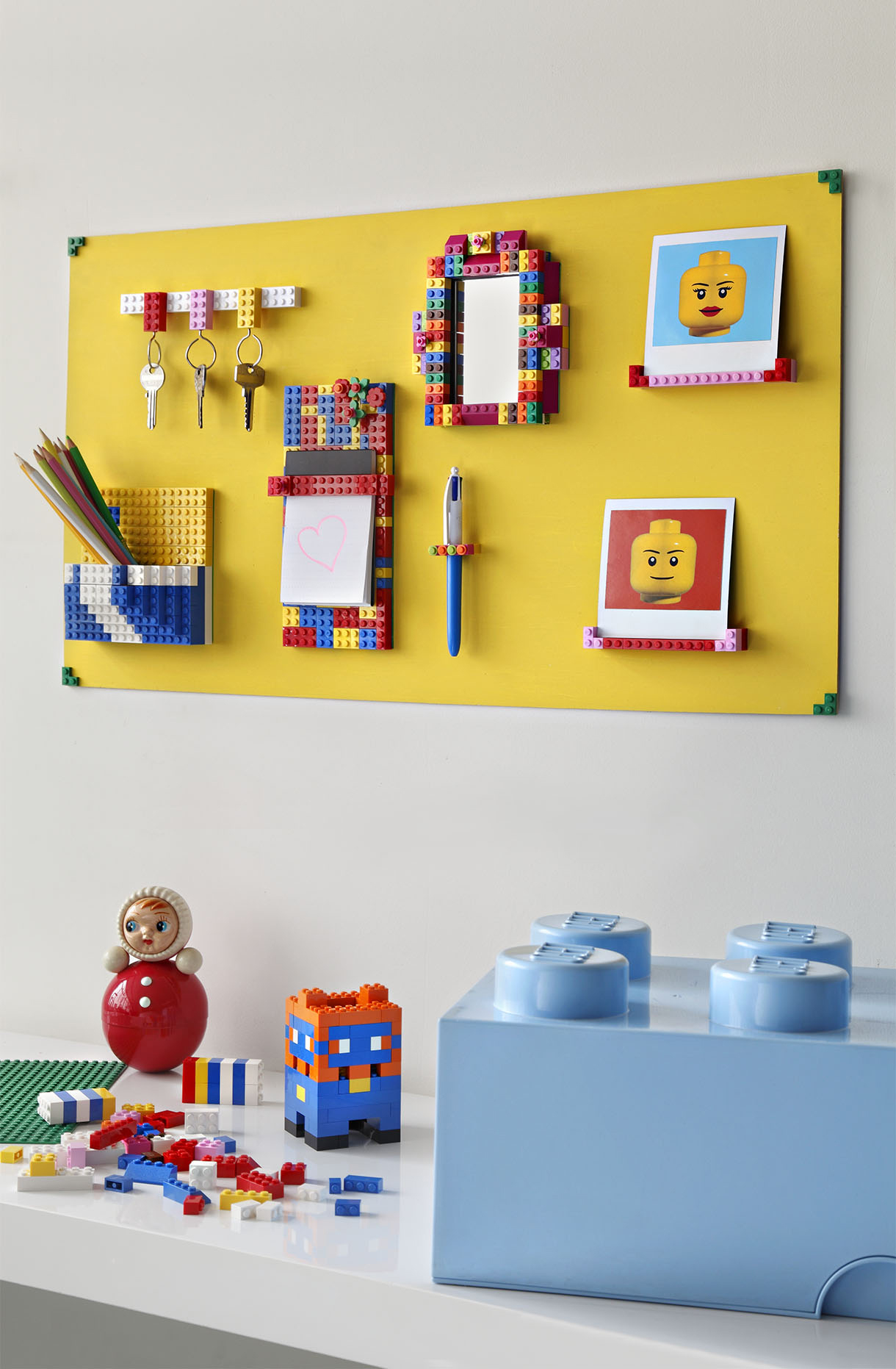 fabriquer un tableau lego mural en quelques tapes maison cr ative. Black Bedroom Furniture Sets. Home Design Ideas