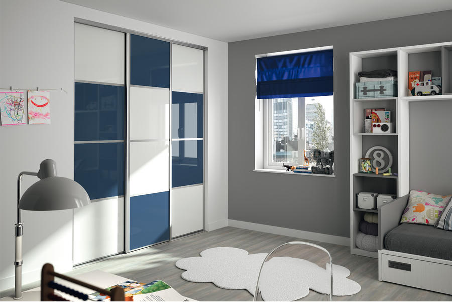 chambre bleu canard beige pr l vement d. Black Bedroom Furniture Sets. Home Design Ideas