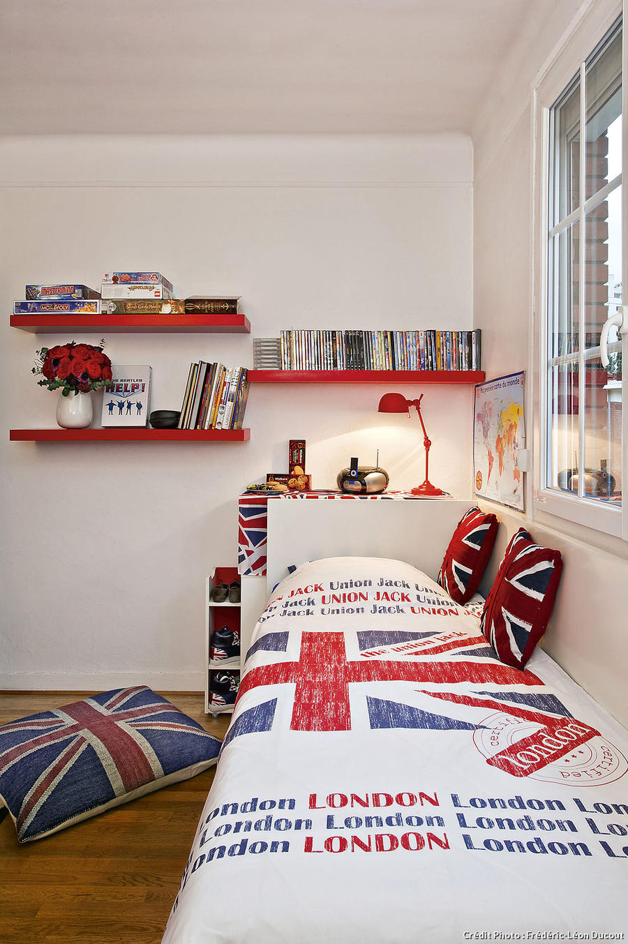 Une chambre d 39 ado made in london maison cr ative for Tete de lit chambre ado