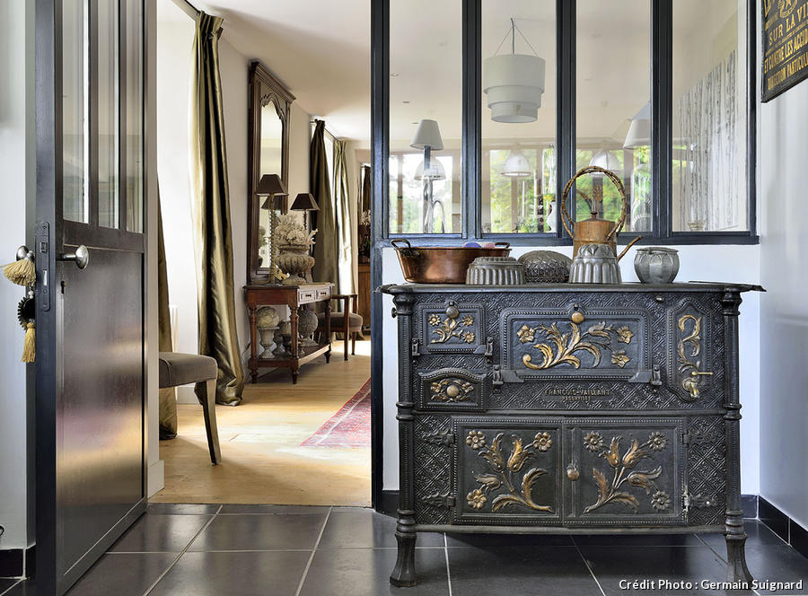 un moulin restaur en r gion parisienne maison cr ative. Black Bedroom Furniture Sets. Home Design Ideas