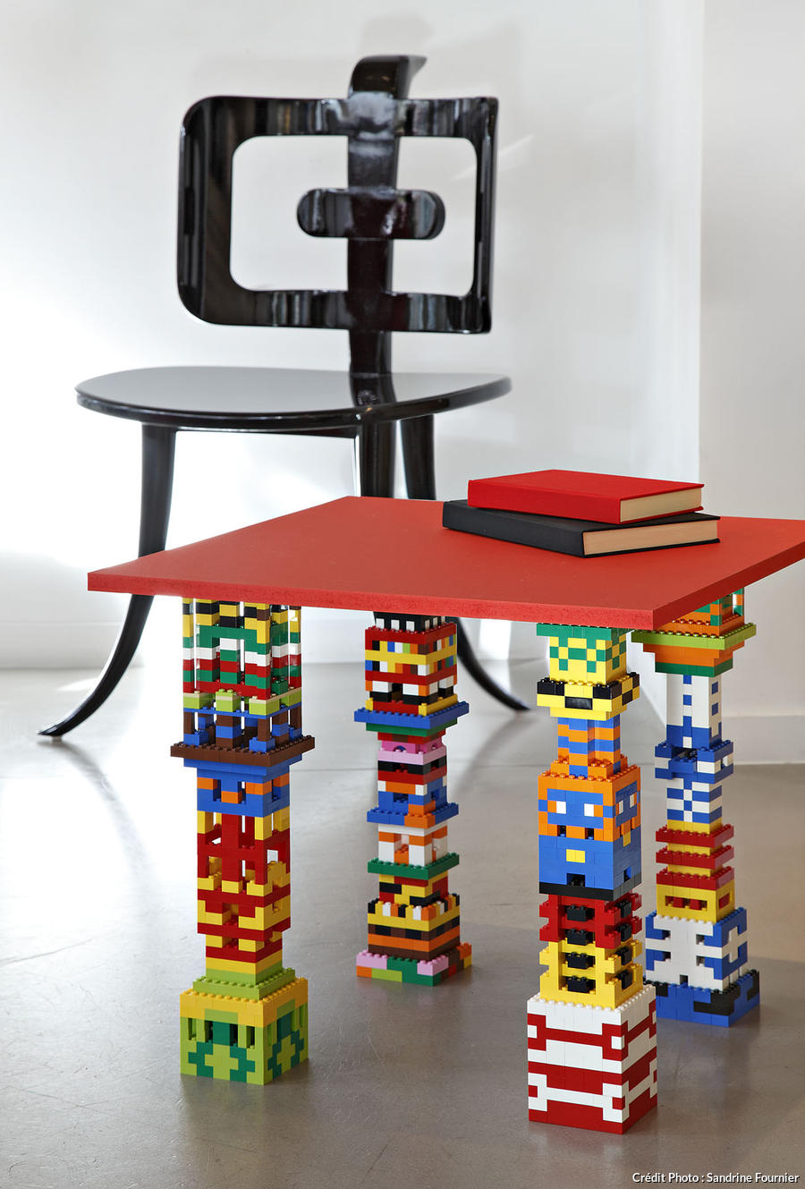 r aliser une table avec des pieds en lego maison cr ative. Black Bedroom Furniture Sets. Home Design Ideas