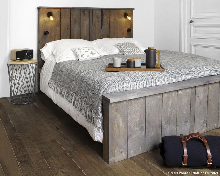 impressionnant tete de lit en planche de coffrage 7 m80 lit lambrise bois. Black Bedroom Furniture Sets. Home Design Ideas