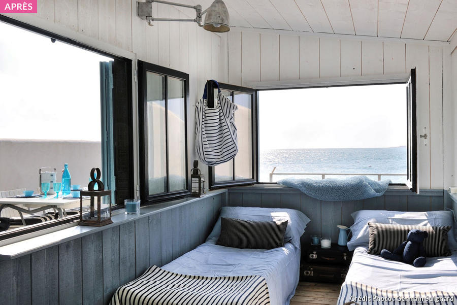 cabane en bois un cabanon de p cheur transform en maisonnette de bord de mer. Black Bedroom Furniture Sets. Home Design Ideas