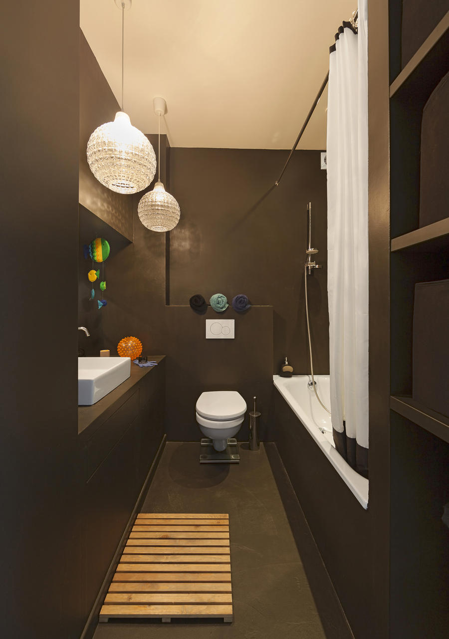 plan salle de bain en longueur. Black Bedroom Furniture Sets. Home Design Ideas