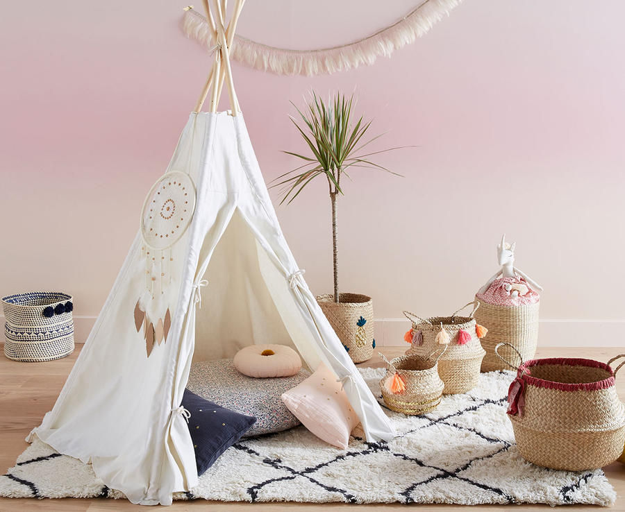 un tipi pour la chambre des enfants les plus beaux. Black Bedroom Furniture Sets. Home Design Ideas